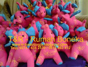 boneka batik souvenir magelang