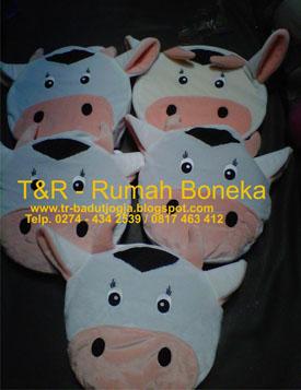 boneka souvenir desain khusus magelang