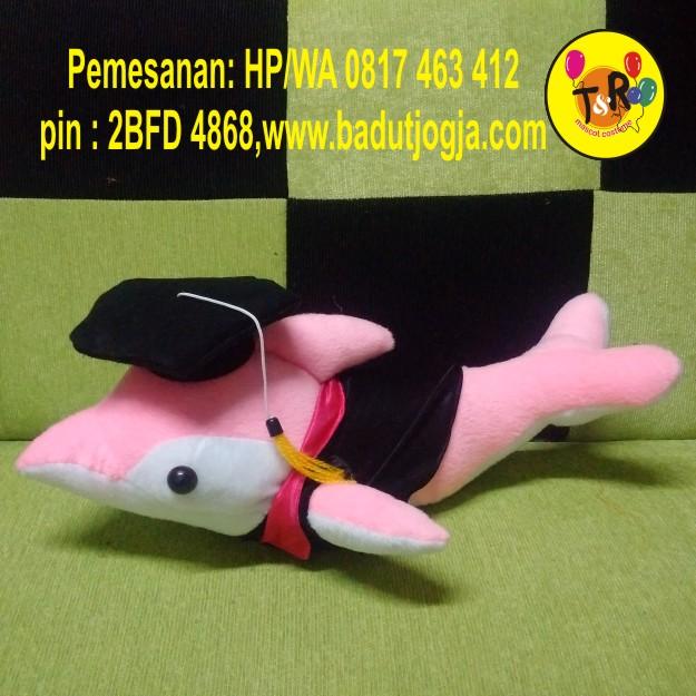 boneka-wisuda-dolphin-pink-20cm