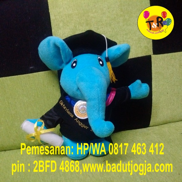 boneka-wisuda-gajah-biru-30cm