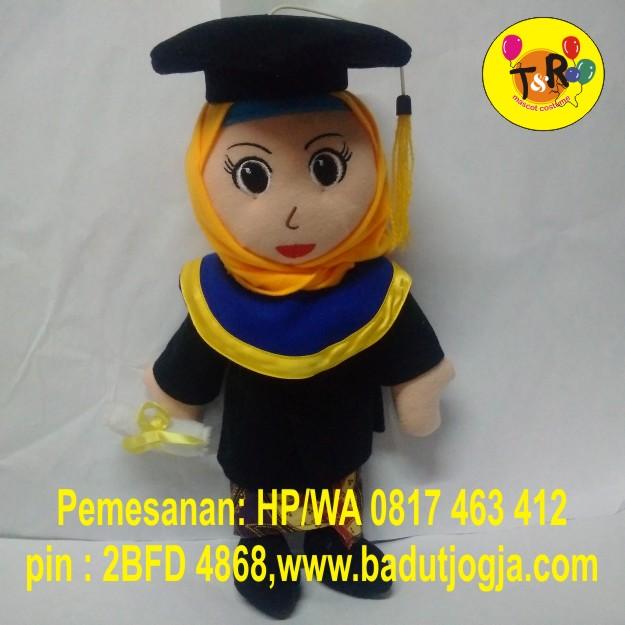 boneka-wisuda-jilbab