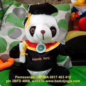 boneka-wisuda-panda