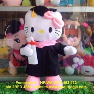 jual boneka-wisuda-hello-kitty murah