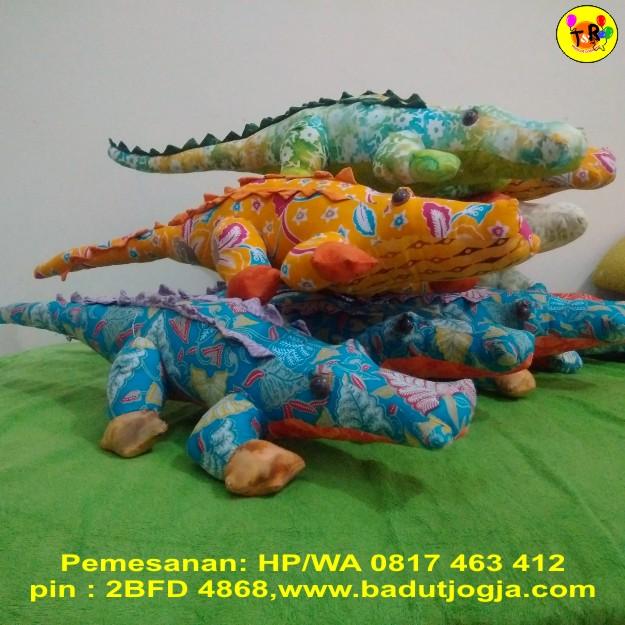 boneka-batik-buaya
