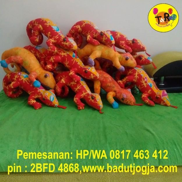 boneka-batik-camelion-bali