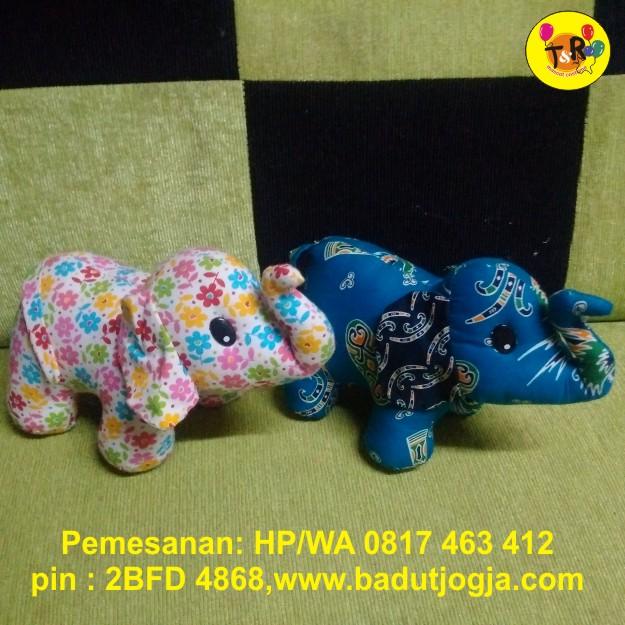 boneka-gajah