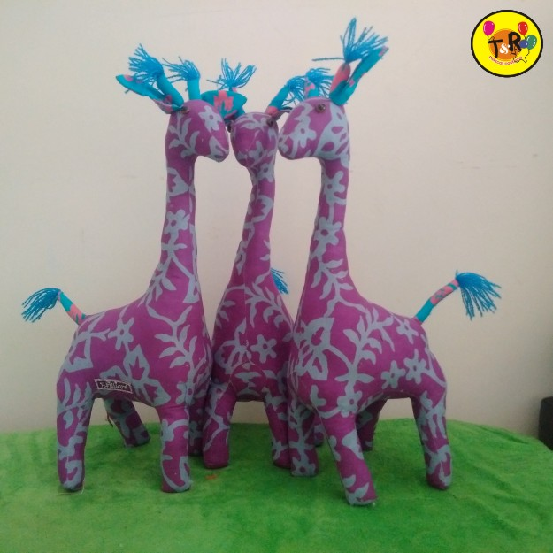 boneka batik jerapah warna ungu - Copy