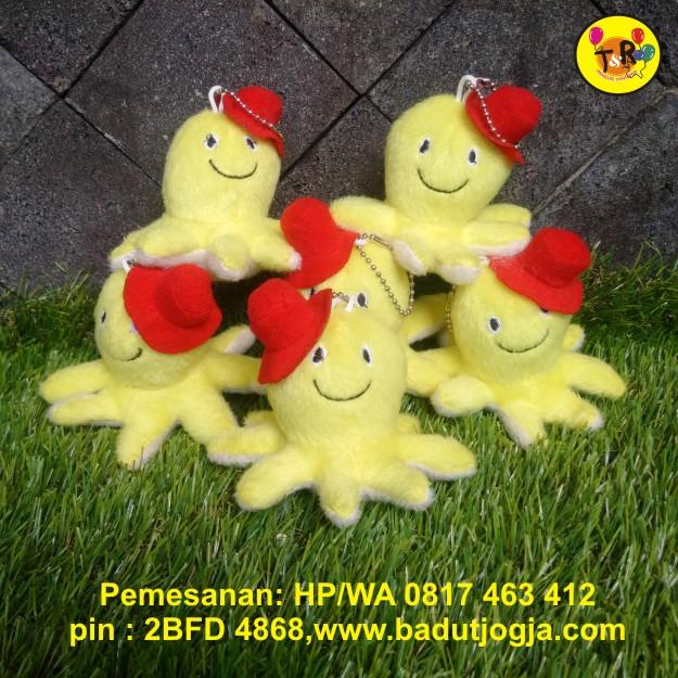 boneka gantungan kunci gurita kuning