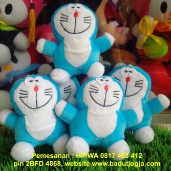 jual boneka-gantungan-kunci-doremon