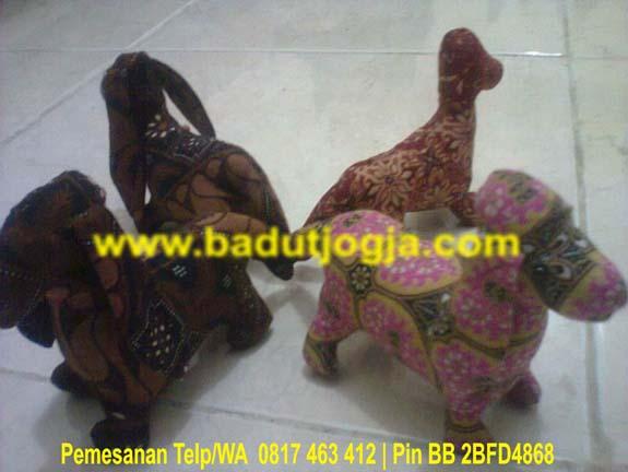 produsen boneka batik anjing