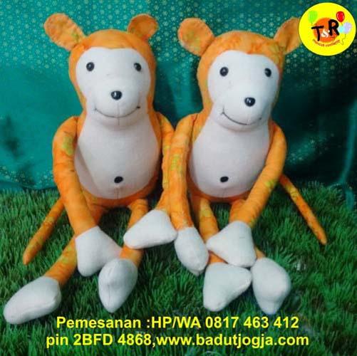 produsen boneka batik monyet warna orange