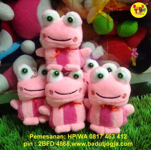 produsen-boneka-gantungan-kunci-pink