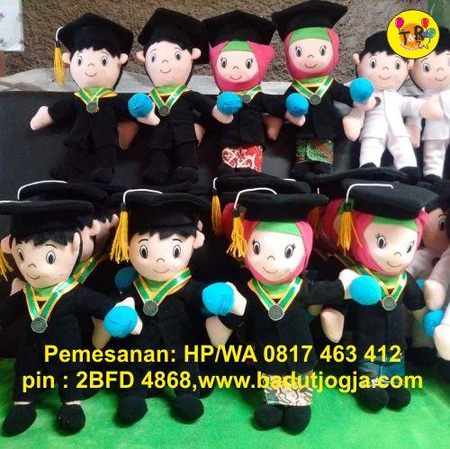 produsen boneka maskot wisuda umy
