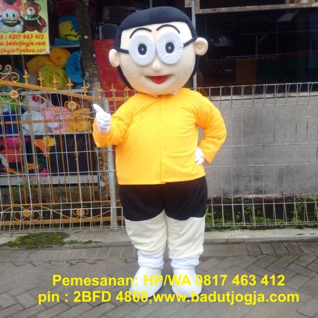 badut maskot nobita