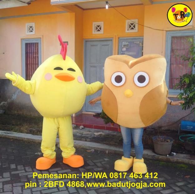 maskot ayam dan owl
