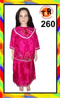260.persewaan kostum tradisional