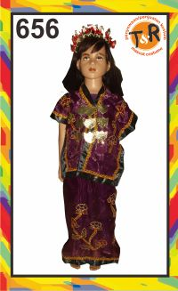 656.sewa kostum tradisional