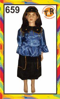 659.sewa kostum tradisional