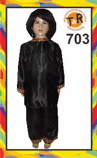 703.sewa kostum tradisional