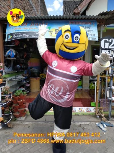 kostum badut maskot kompetisi volley ball uns surakarta
