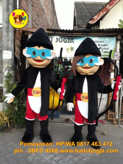 kostum badut maskot pimnas uny 2018