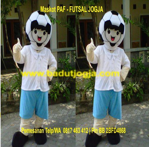 pengrajin maskot PAF futsal jogja