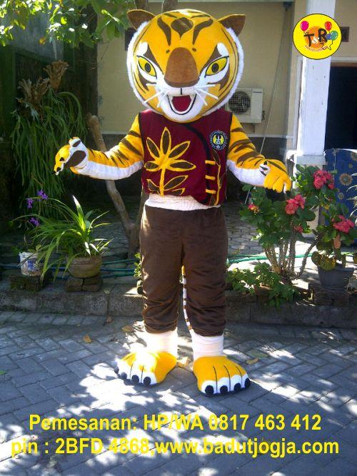 produsen badut maskot macan UNY