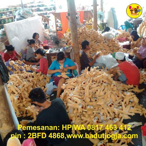 proses pembuaan boneka maskot porwil koni bangka belitung babel