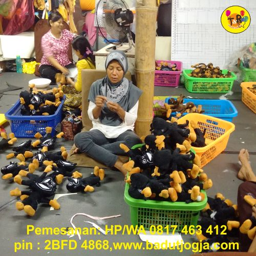 proses produksi boneka maskot pormas tanjung pinang