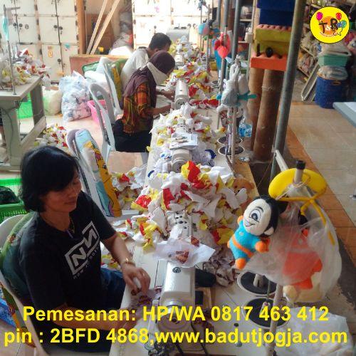 proses produksi boneka maskot selangor malaysia