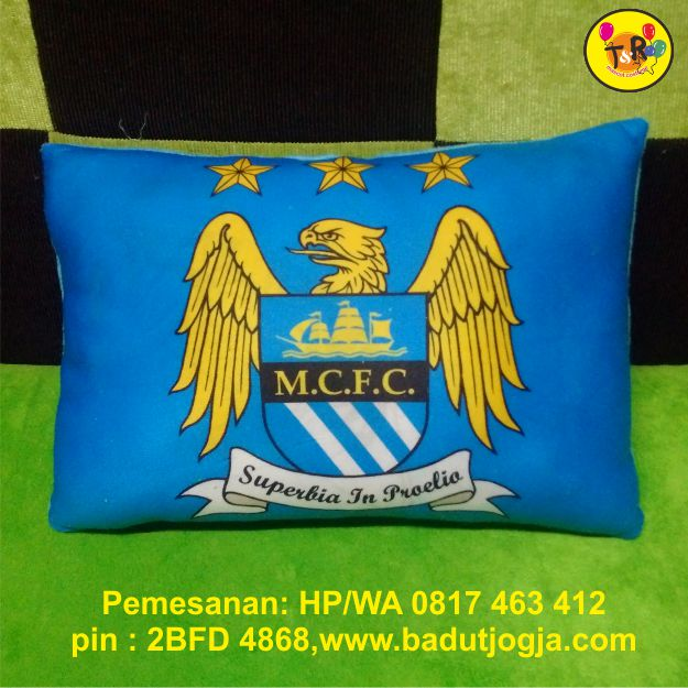 bantal printing logo club bola manchester city